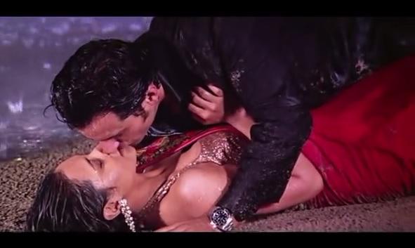 rani mukherjee kiss scene