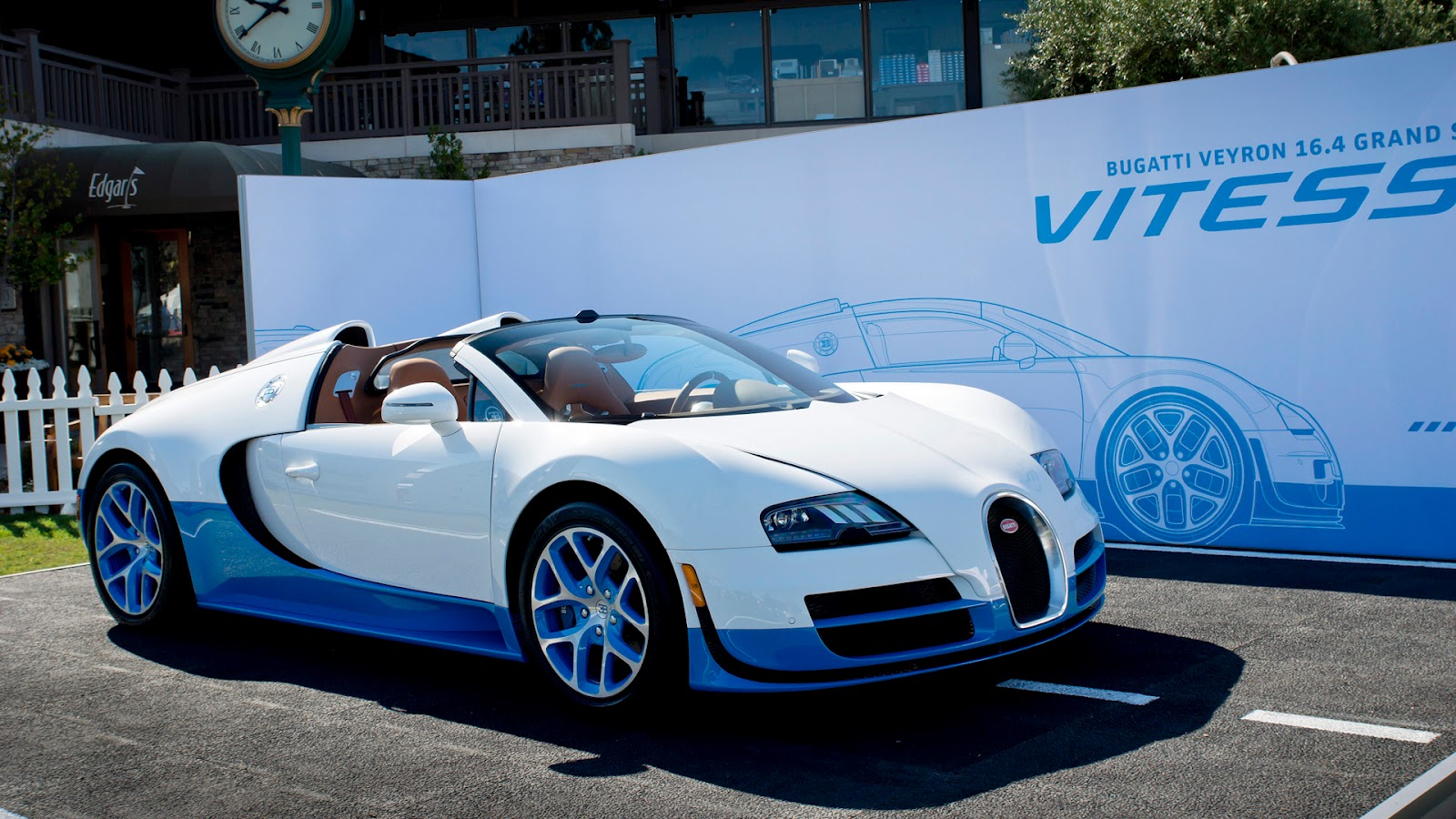 car wallpapers free download 2012 bugatti veyron grand sport vitesse bianco new light blue 8. Black Bedroom Furniture Sets. Home Design Ideas