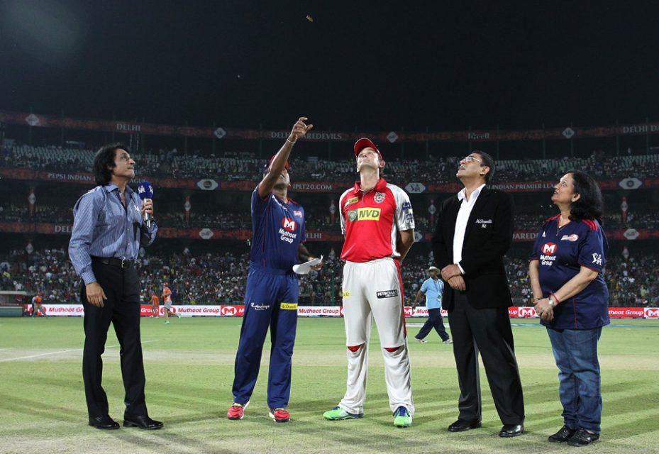 Mahela-Jayawardene-Adam-Gilchrist-DD-vs-KXIP-IPL-2013