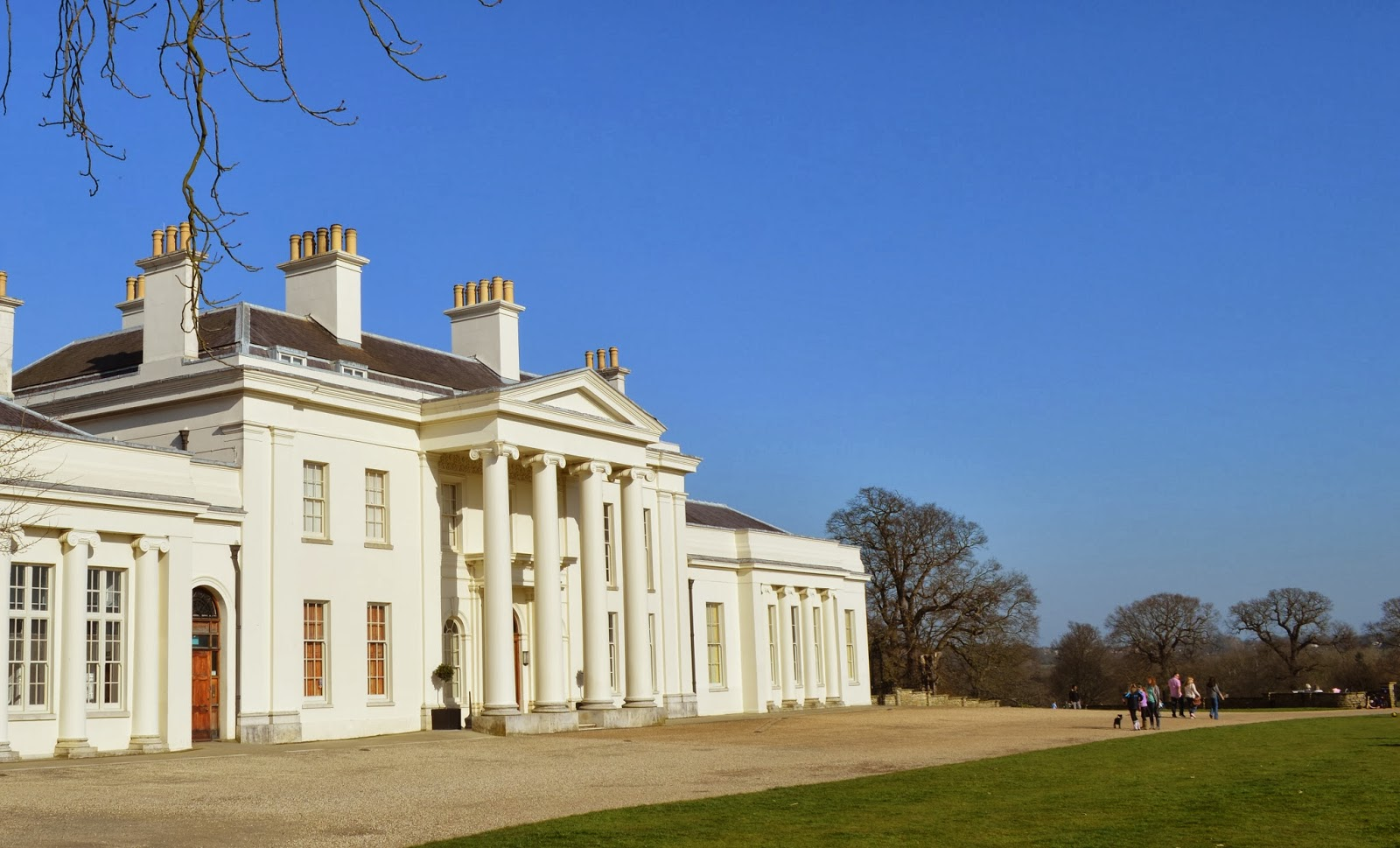 how to get to hylands park chelmsford