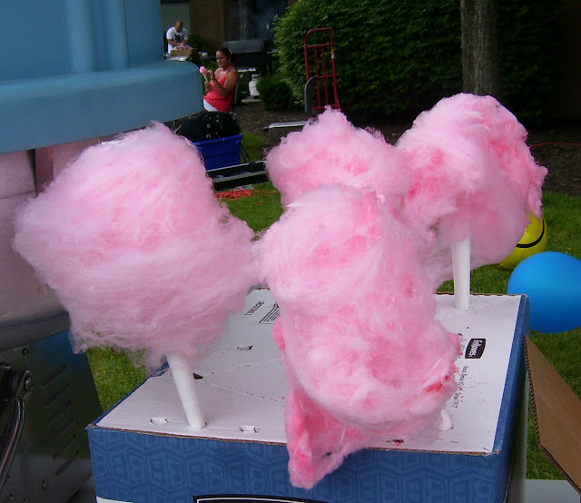 Holiday Fans travel the World RTW -family activities Cotton Candy