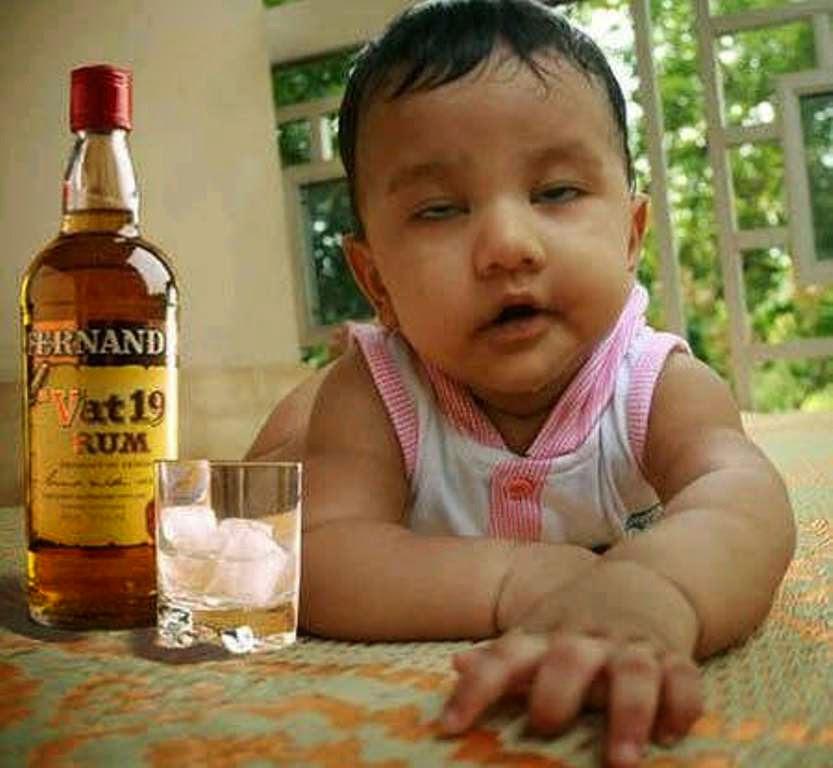 Foto lucu bayi mabuk editan gratis