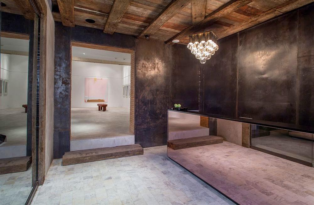 ritme-perpaduan-bata-merah-dinding-fasad-putih-sala-ayutthaya-hotel-sungai-chao-phraya-003