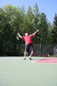 Tenniksen perusteita yhteisin aikatauluin - Ota sähköpostilla yhteyttä tennisvalmentaja@gmail.com