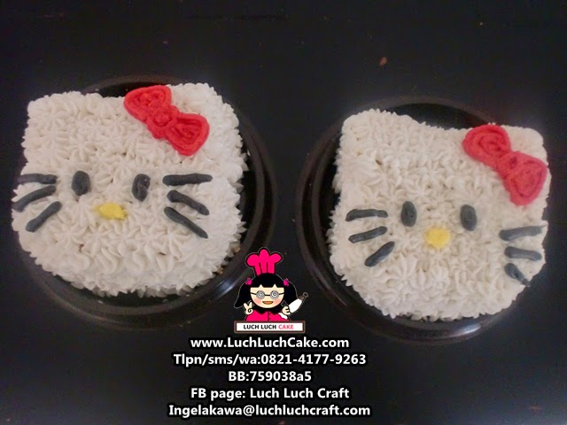 Mini Cake Hello Kitty Souvenir Ulang Tahun