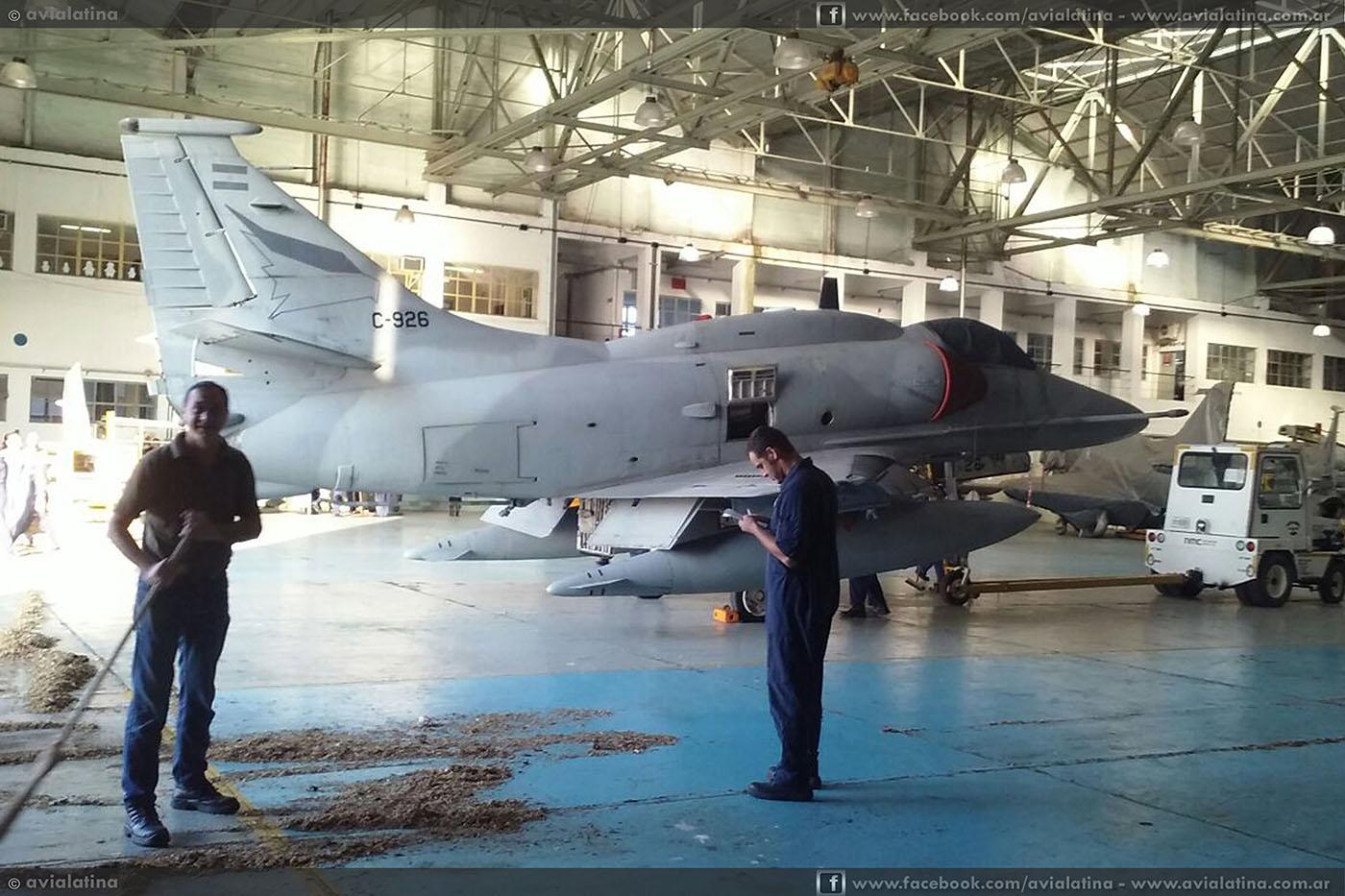 Aclaraciones sobre la falsa venta de A-4AR a empresa canadiense