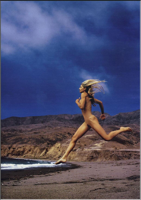 Gaby Espino desnuda - Fotos y Vídeos -
