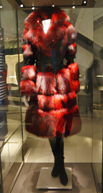 Fashion Follows Form: Designs for Sitting Exhibit at Royal Onario Museum (ROM) in Toronto, culture, exhibition, art, art matters, wheelchair, clothing, izzy camilleri, disabled, men, women, designer, canadian, Canada, the purple scarf, melanie.ps, meryl streep, fur coat, devil wears prada