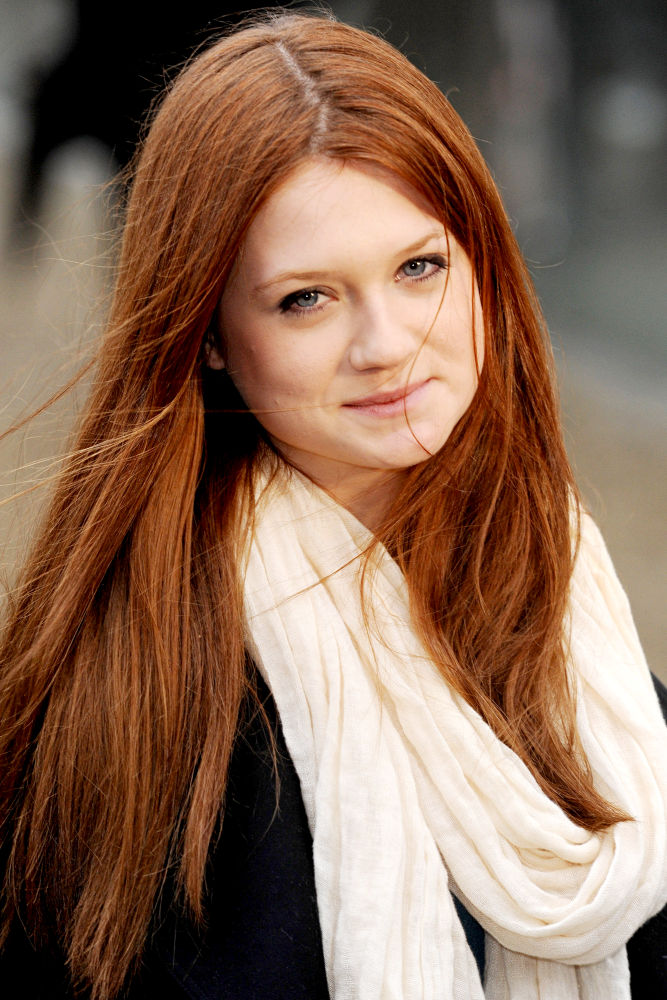 Hollywood actress Bonnie Wright|Hollywood celebrity Bonnie Wright