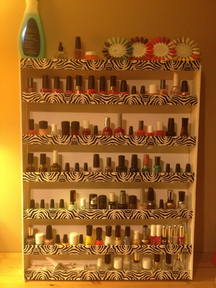 lace n 39 cakes diy nail polish rack. Black Bedroom Furniture Sets. Home Design Ideas