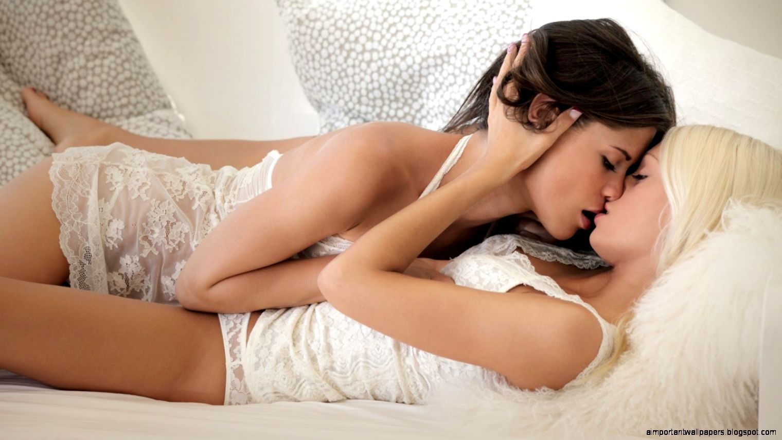 Beautiful naked women you can wank at