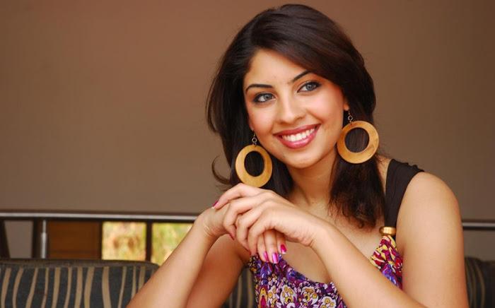 richa gangopadhayay actress pics