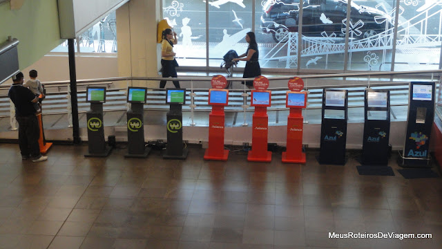 Auto-atendimento no Aeroporto Internacional Hercílio Luz - Florianópolis