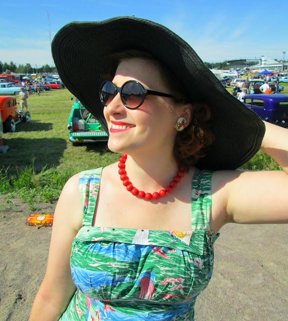 50's vintage dress tropical cotton sun sea rhinestones shell earring Forssan Pick-Nick