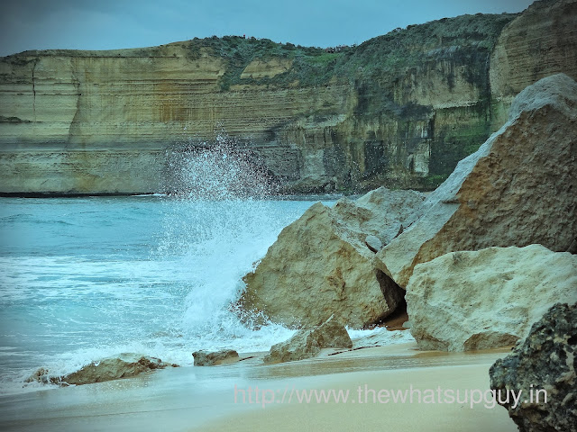 Waves Splashing at the apostles