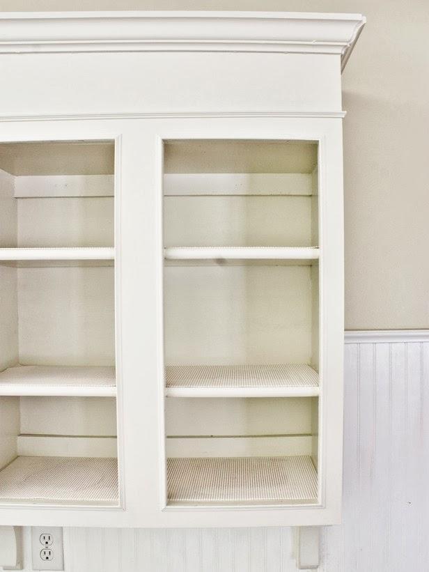 Top rnover une cuisine faon cottage meubles de cuisine for Meuble mural vitre cuisine