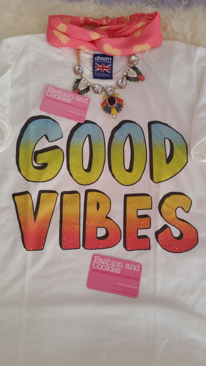 Good Vibes t-shirt on Fashion and Cookies fashion blog, fashion blogger style