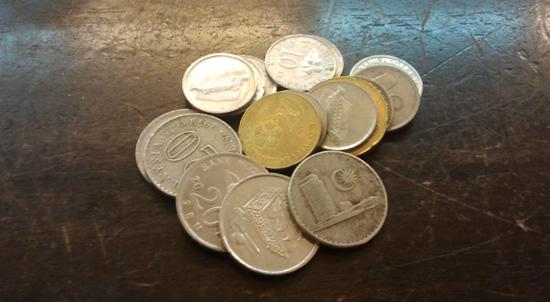 Simpan duit syiling sikit-sikit lama-lama jadi bukit