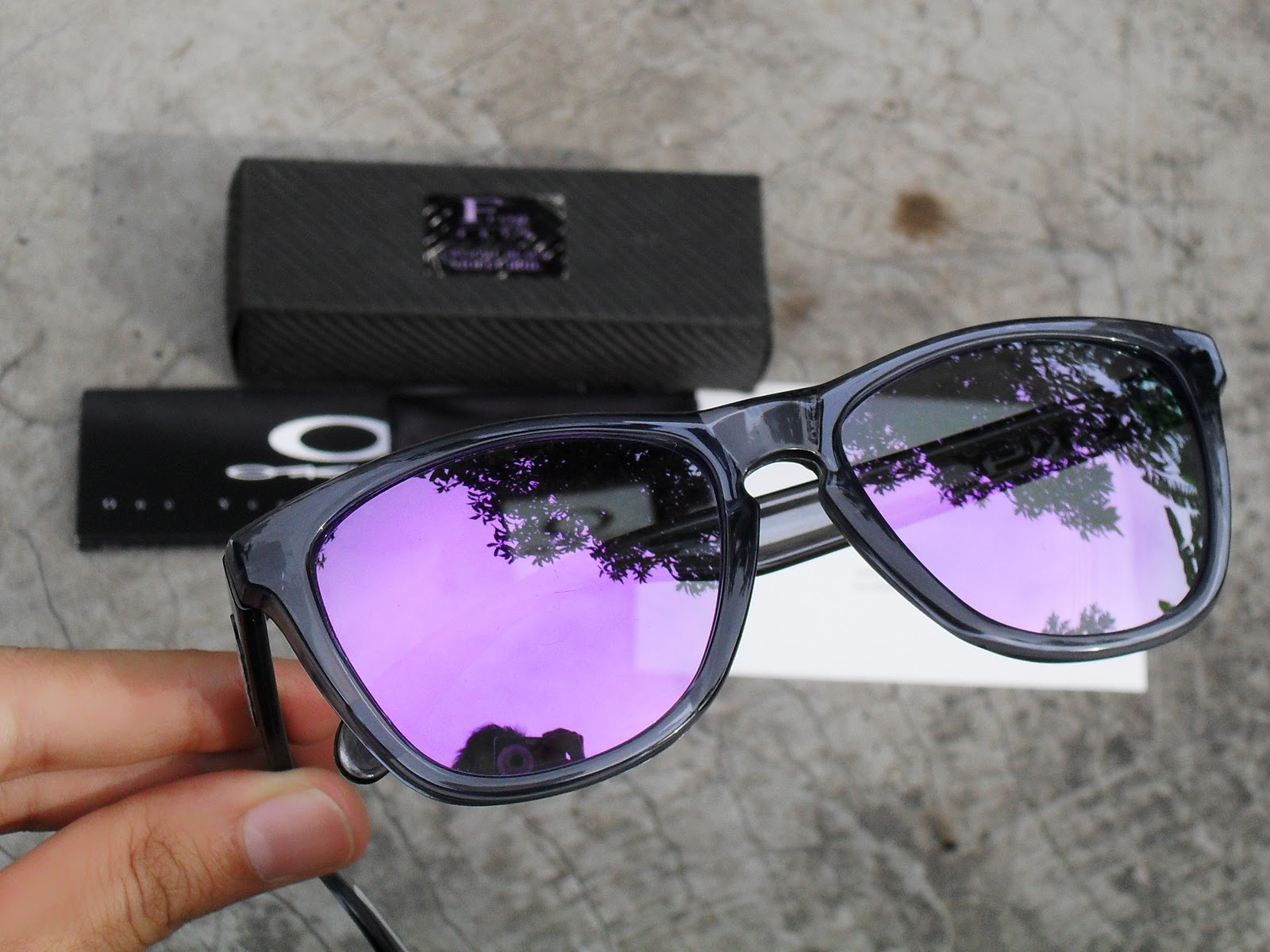 Oakley Frogskins Crystal Black Violet Iridium