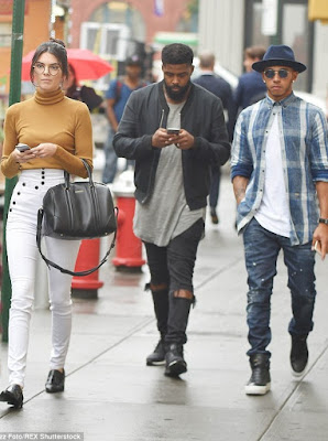 Kendall Jenner and Lewis Hamilton dating? 2C2911B700000578-3229842-image-m-17_1441917080546