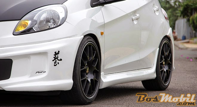 Modifikasi Body kit Mobil Honda Brio