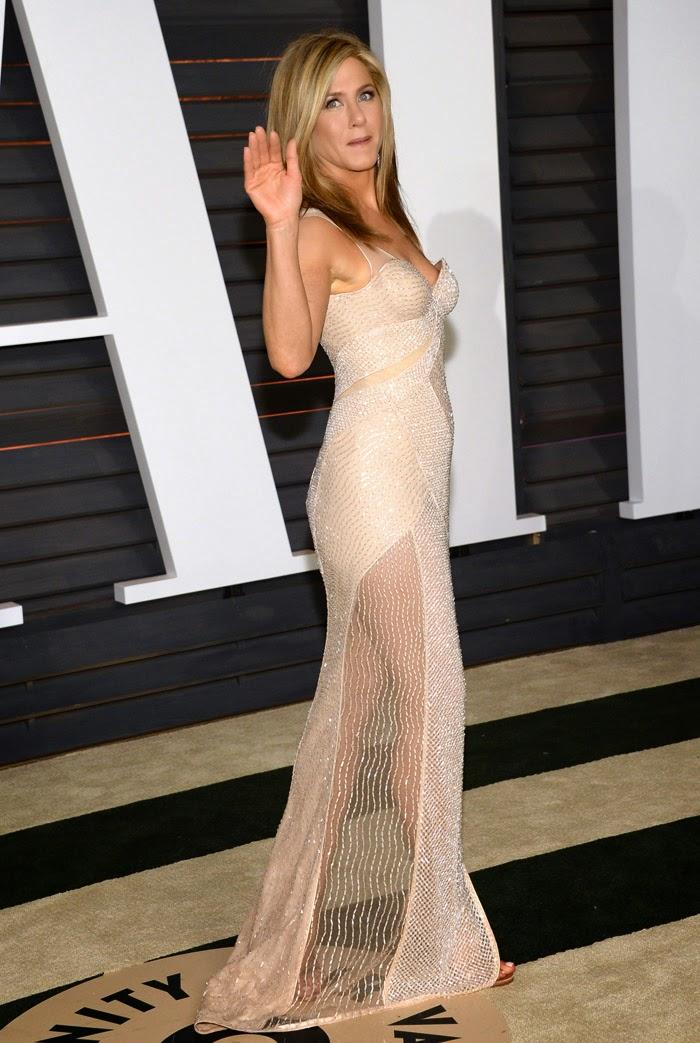 Oscars 2015 The best dressed Red Carpet celebs luxe beauty jewels Esencia Trendy Jennifer Aniston