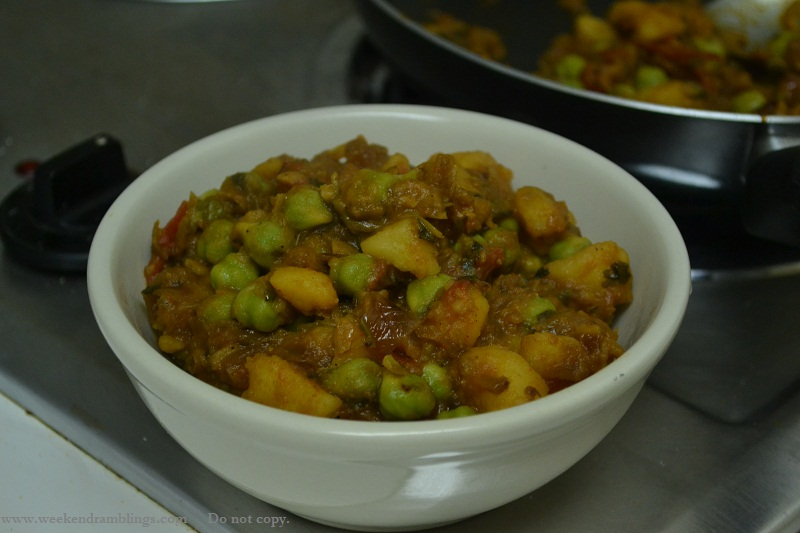 recipes food garbanzo chickpeas beans tomato onion sauce gravy Indian curry