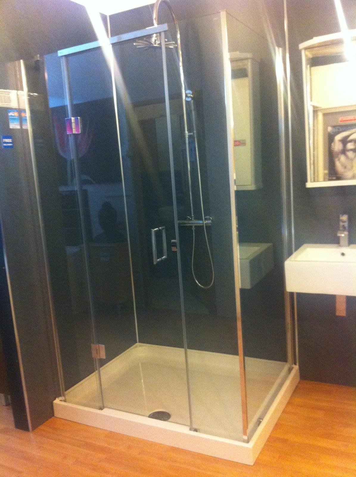 Bathroom City Showroom Feature Matki Illusion Corner Shower Door