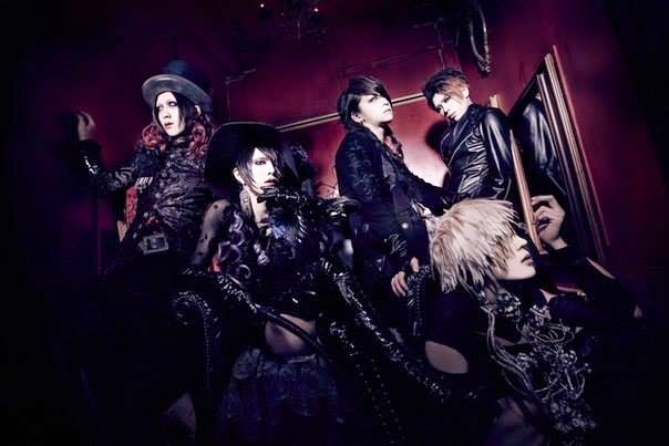 The Weekly Quickie:  Lycaon, Serah, SPELL BOX, AvelCain, Memento Mori, DIV, 5572320