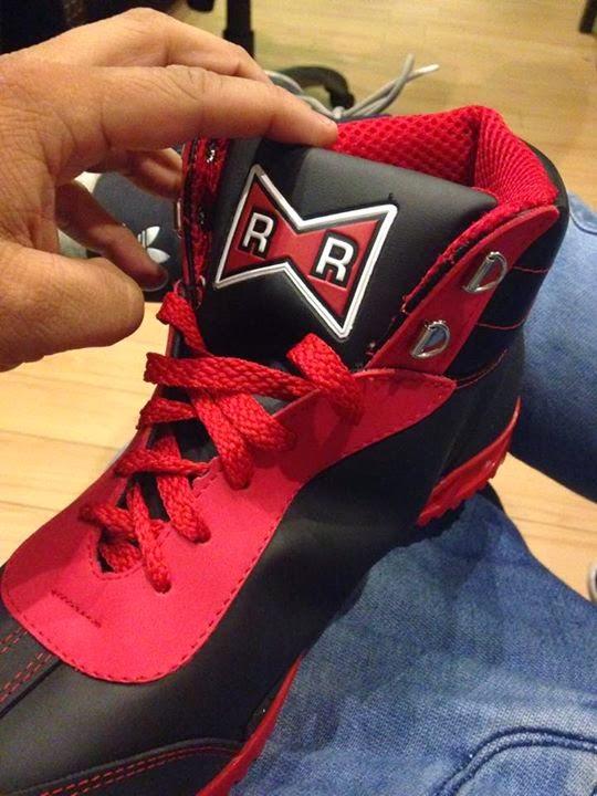 Zapatillas oficiales Dragon Ball Z Red Ribbon