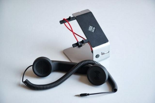 Ubah Smartphone Anda Menjadi Telepon Klasik Dengan Gadget Ini