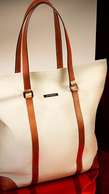 White bad with brown straps for ladies