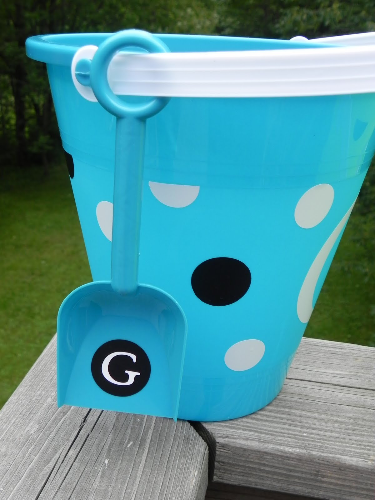 personalized sand buckets tutorial momma d and da boyz