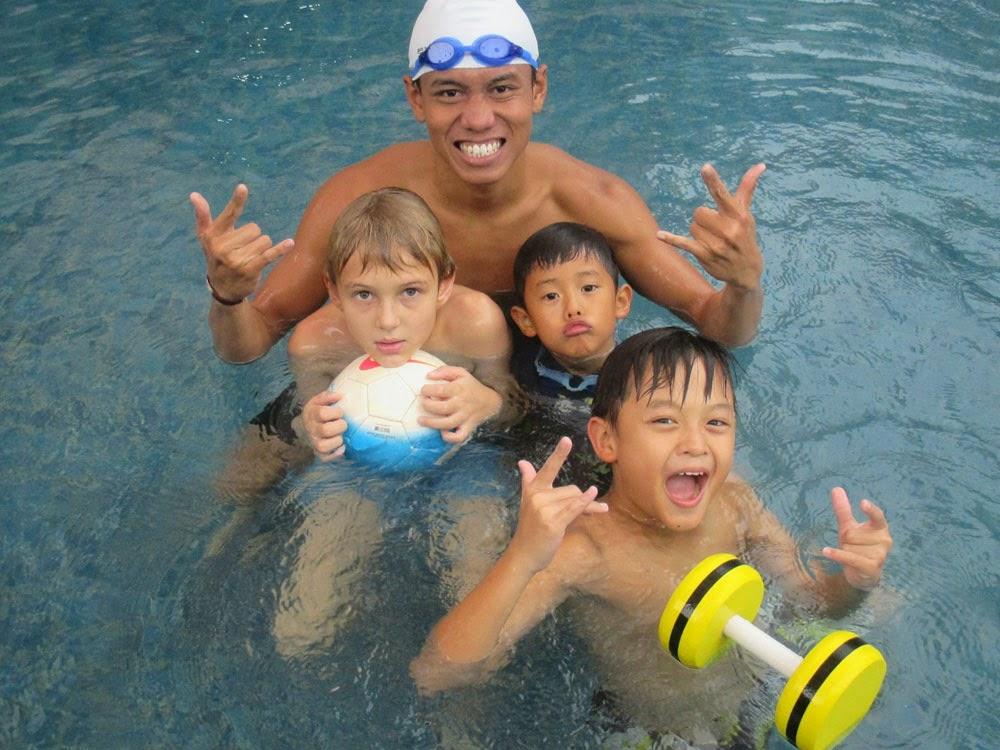 latihan renang dan bermain air