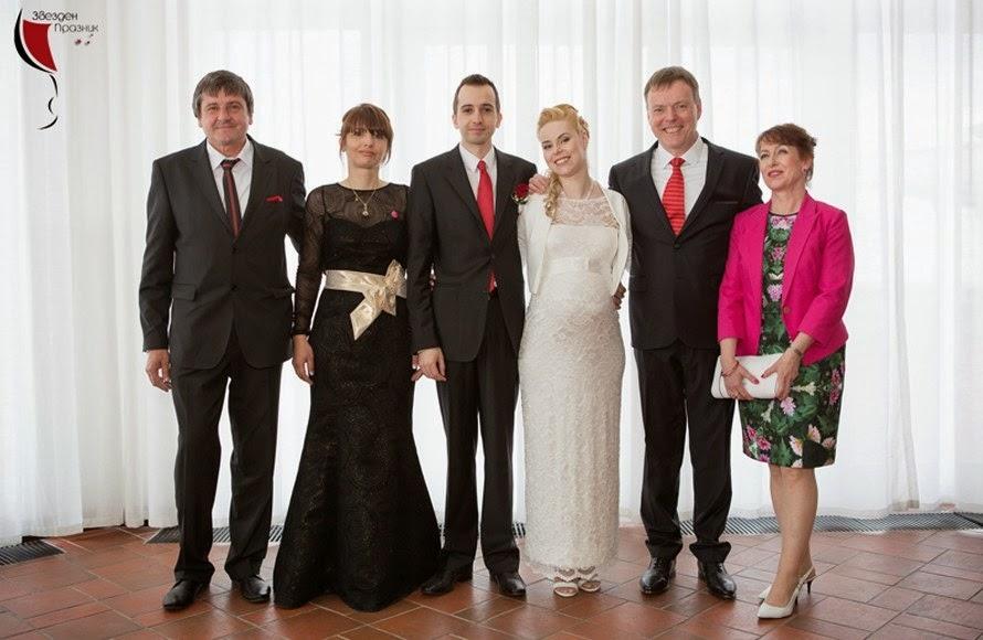 Семейна снимка на най-младото семейство в България