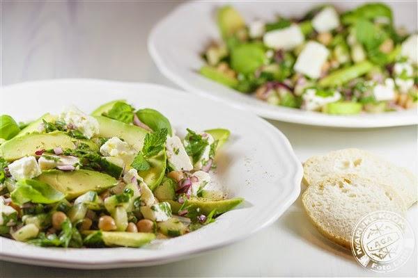 Salade van kikkererwten en feta volgens Dagny Ros