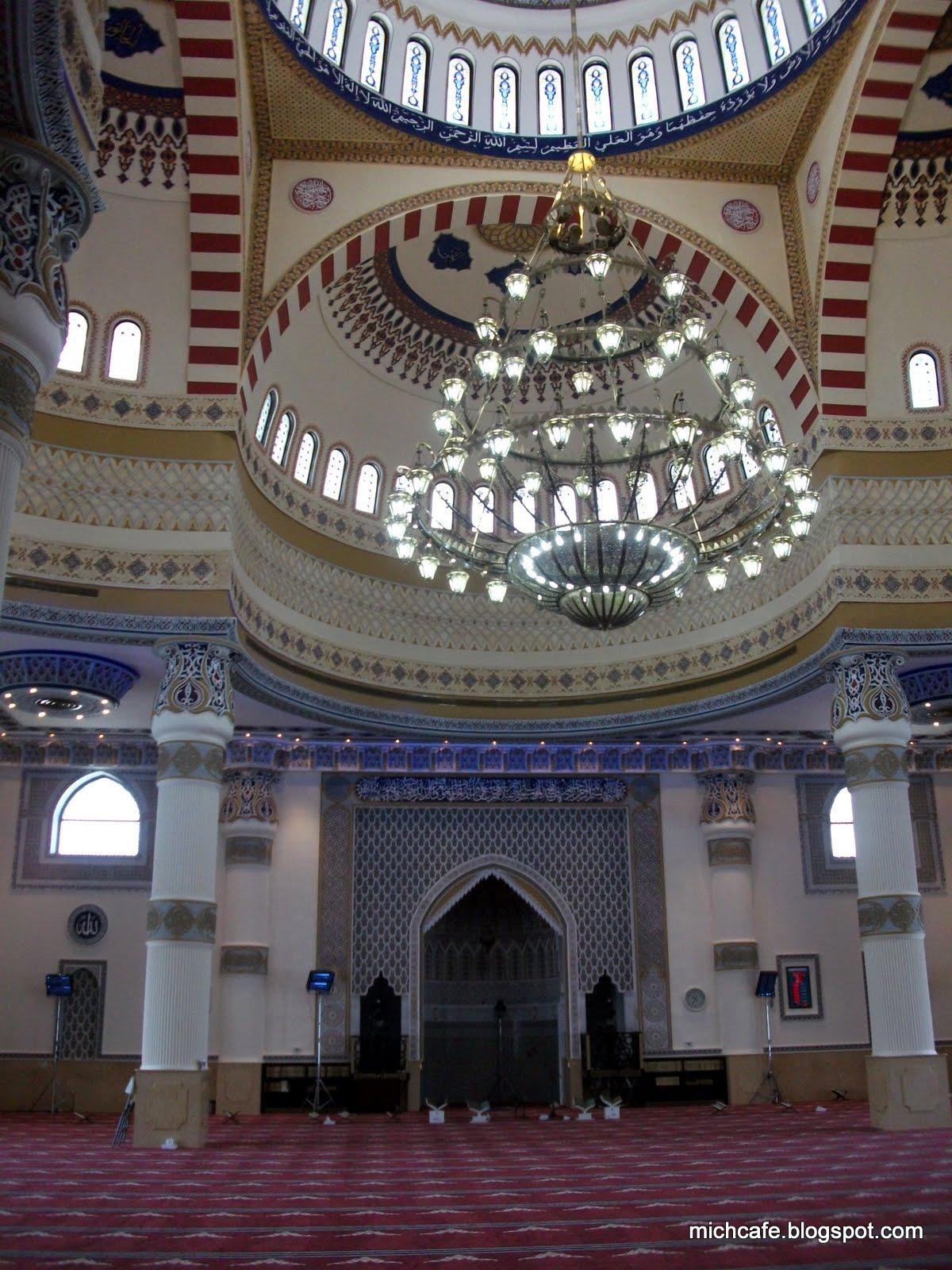 blue mosque in dubai Blue mosque / al farooq omar bin al khattab mosque is dubai's biggest mosque blue mosque location map, opening hours, dress code, contact details.