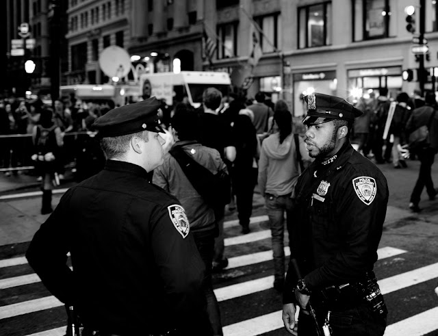 eviction day, occupy wall street, wall street, financial district, owe, money, stock exchange, 2.0, bloomberg, black and white, b&w, nyod