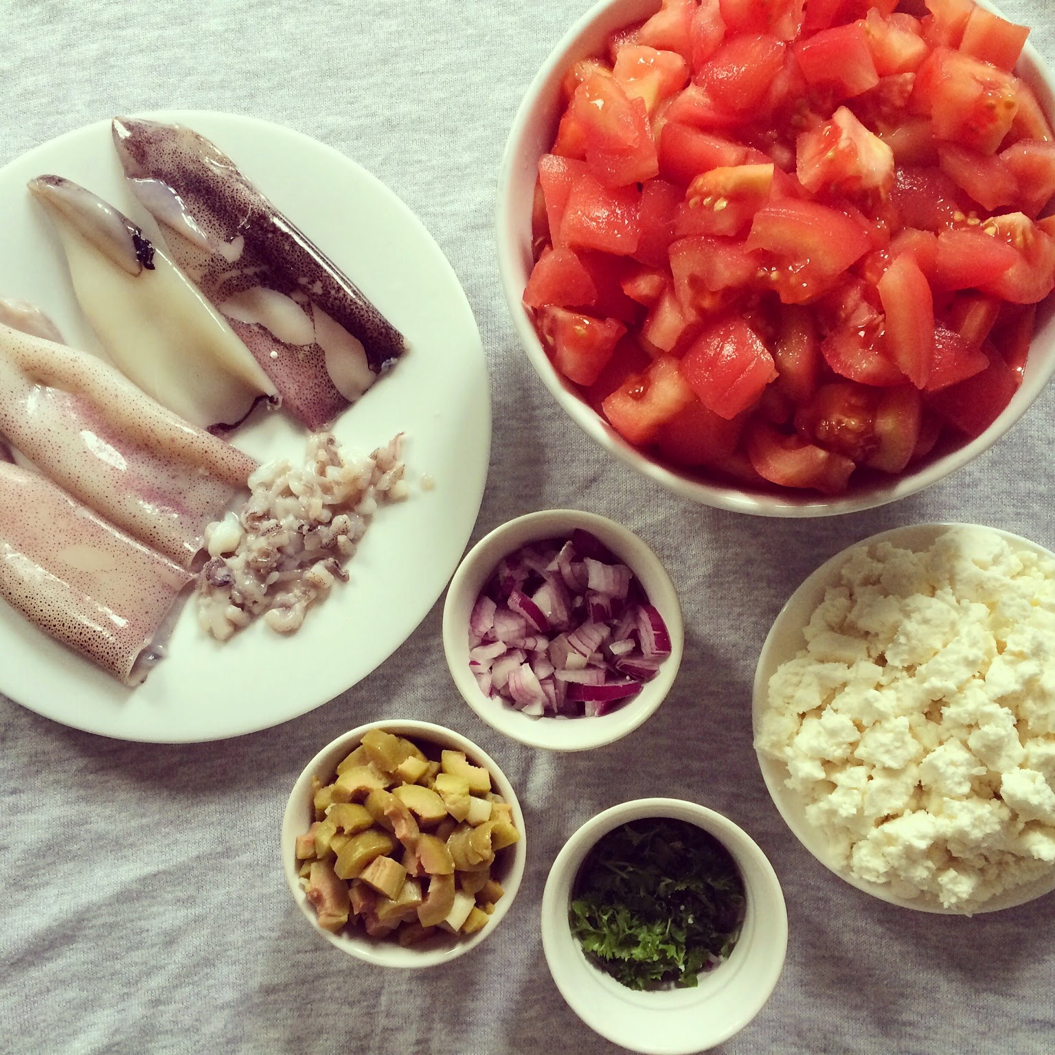 calamars farcis tomates olives feta