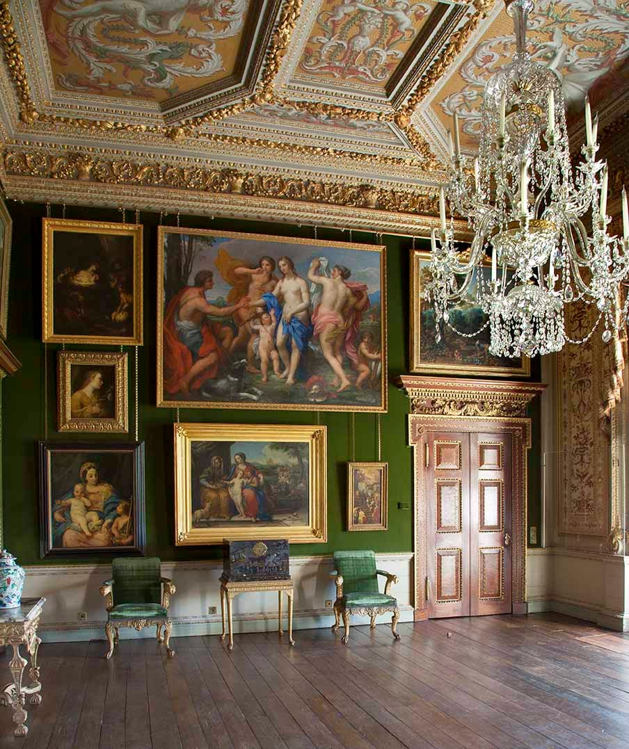Loveisspeed photos houghton hall s splendor and for Hall interior furniture