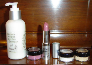 lot of Monave Mineral Makeup products.jpeg