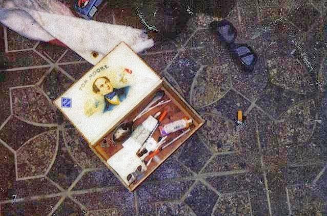 Kurt Cobain scena suicidio 8