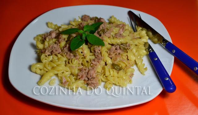 Macarrão com Atum Gomes da Costa na Cozinha do Quintal