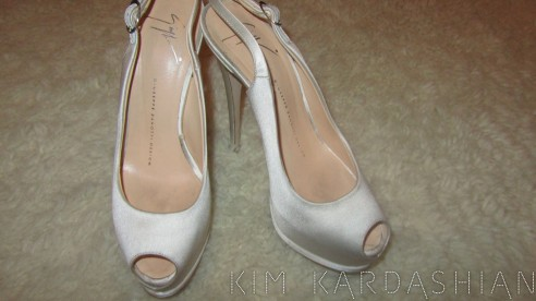Os sapatos Giuseppe Zanotti so casamento de Kim Kardashian