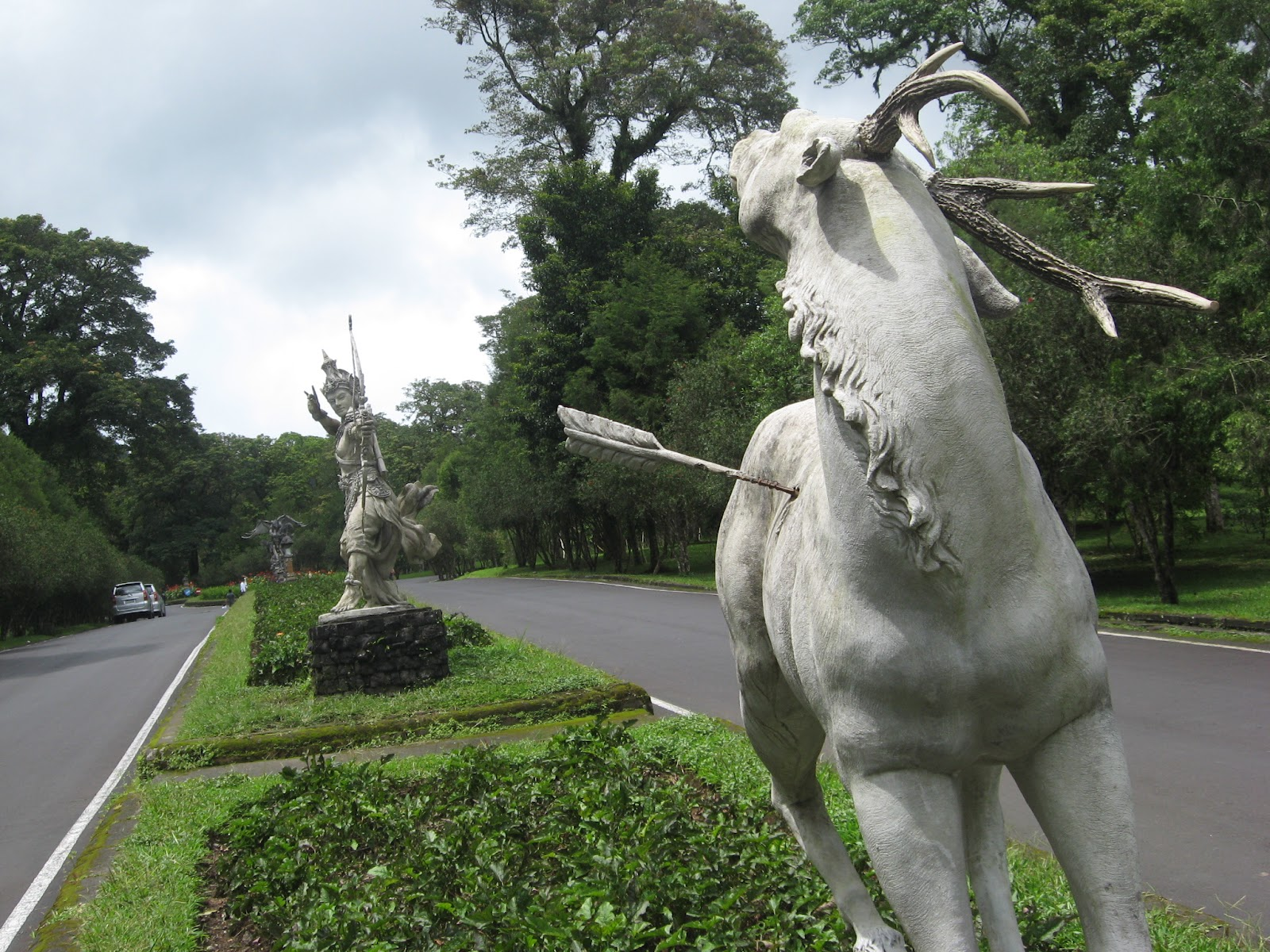 Jalan Bali Blogger Community Part 3 Patung Rama Sita Memanah Kijang Di Kebun Raya Bedugul