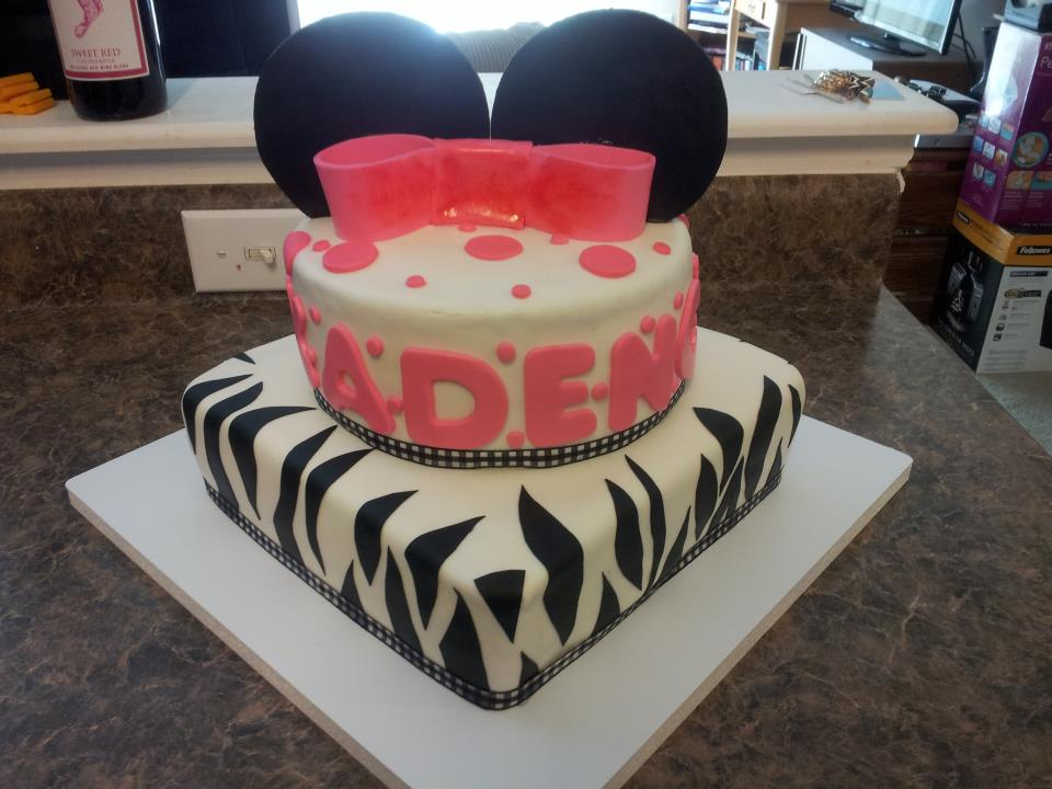 phatsnax minnie mouse baby shower cake