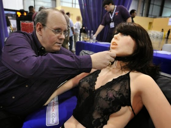 性愛機器人 sexbot