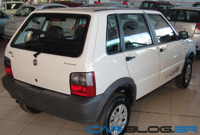 Fiat Uno Mille Way 2013 - Branco Banchisa