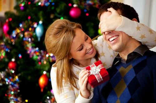 Cách chọn quà giáng sinh cho chàng cực chuẩn