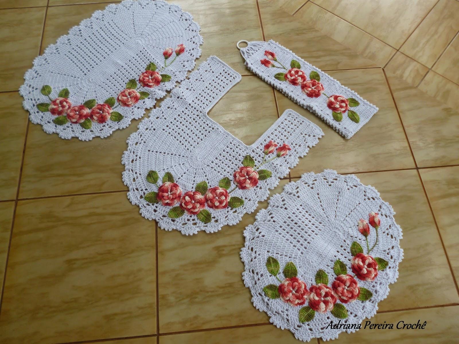 Adriana Pereira Crochê: Jogo de Banheiro com Flores Aplicadas #4F5C1A 1600x1200 Banheiro Com Azulejo De Flores